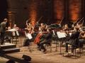 L'Orchestra del Teatro Petruzzelli di Bari esegue il Triple Quartet di Steve Reich al Teatro alle Tese del'Arsenale di Venezia. Credits Akiko Miyake
