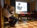 Haitham Al Khatib presenta le immagini del suo film, Najah, al pubblico veneziano della Scoletta dei Calegheri. Credits Valentina Zanaga