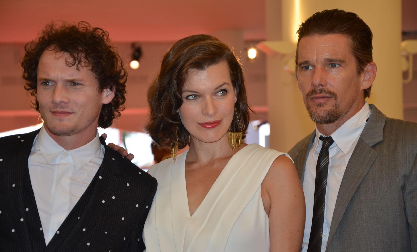 Anton Yelchin, Mila Jovovich, Ethan Hawke al Palazzo del Cinema, 71. Mostra d'Arte Cinematografica, Venezia 2014. Credits Valentina Zanaga