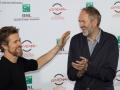 """Willem Dafoe e il regista Anton Corbijn al photocall del film """"La spia"""" al Festival di Roma 2014. Credits Octavian Micleusanu"""
