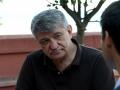 Alexander Sokurov intervistato dal fotografo Octavian Micleusanu sulla terrazza dell'Excelsior alla 72a Mostra del Cinema di Venezia. Foto Valentina