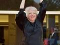 Thelma Schoonmaker esibisce il Leone d'oro alla carriera, 71. Mostra d'Arte Cinematografica, Venezia 2014. Credits Valentina Zanaga
